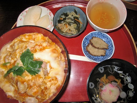 ブログ角館、比内地鶏親子丼1.jpg